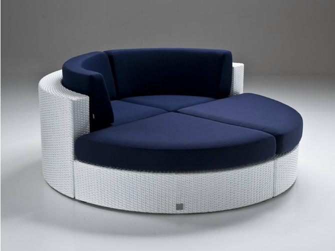 Bahia indoor-outdoor round couch