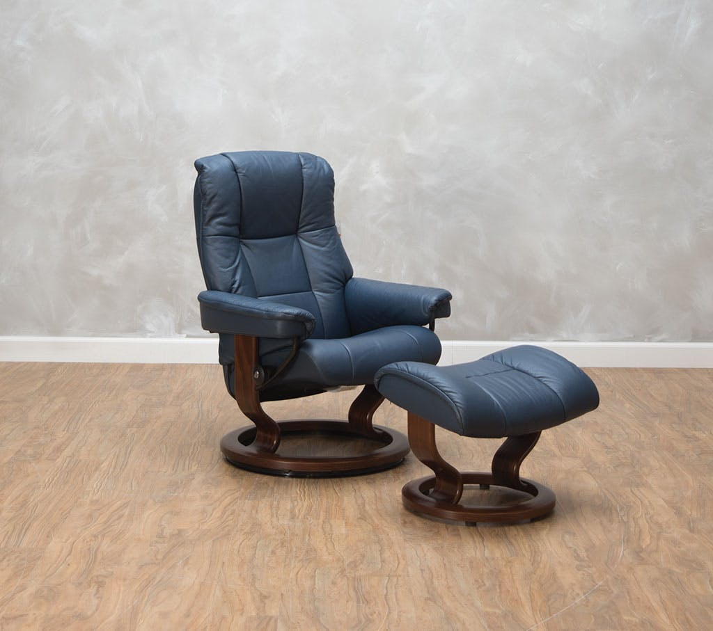 Stressless by Ekornes Mayfair Small Chair & Ottoman