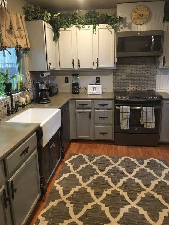 The small kitchen remodeling designs we picked out will make you believe  you do not need a big space to have a charming kitchen! Check more on  hackthehut.
