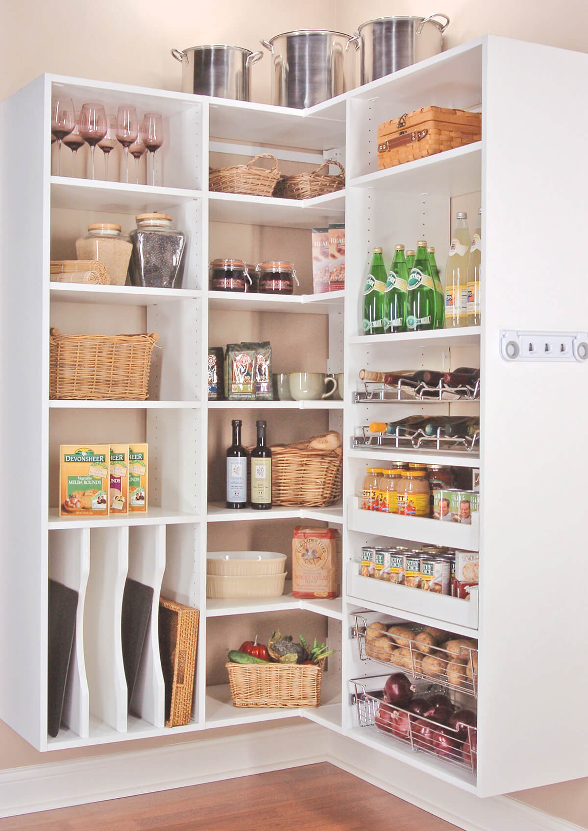 Corner Storage Idea for the Pantry