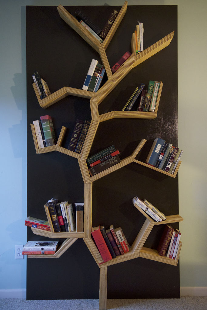 Picture of Tree Bookshelf DIY