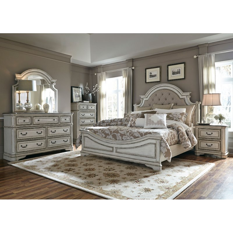 Antique White Traditional 4 Piece King Bedroom Set - Magnolia Manor