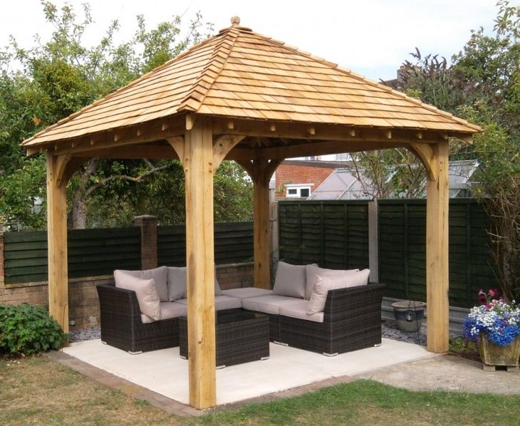 wooden gazebo www.Traveller Location