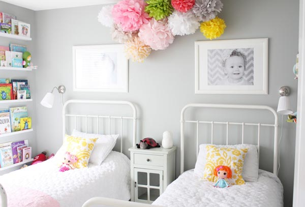 kids room decor ideas a pair of little ladies sleep side by side in this lovely set DKUOWSA