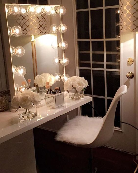 beautiful vanity dressing table with lights - because your beauty matters -  mira RYDRKEN