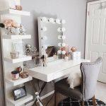 Vanity practical & beautiful: how it works!