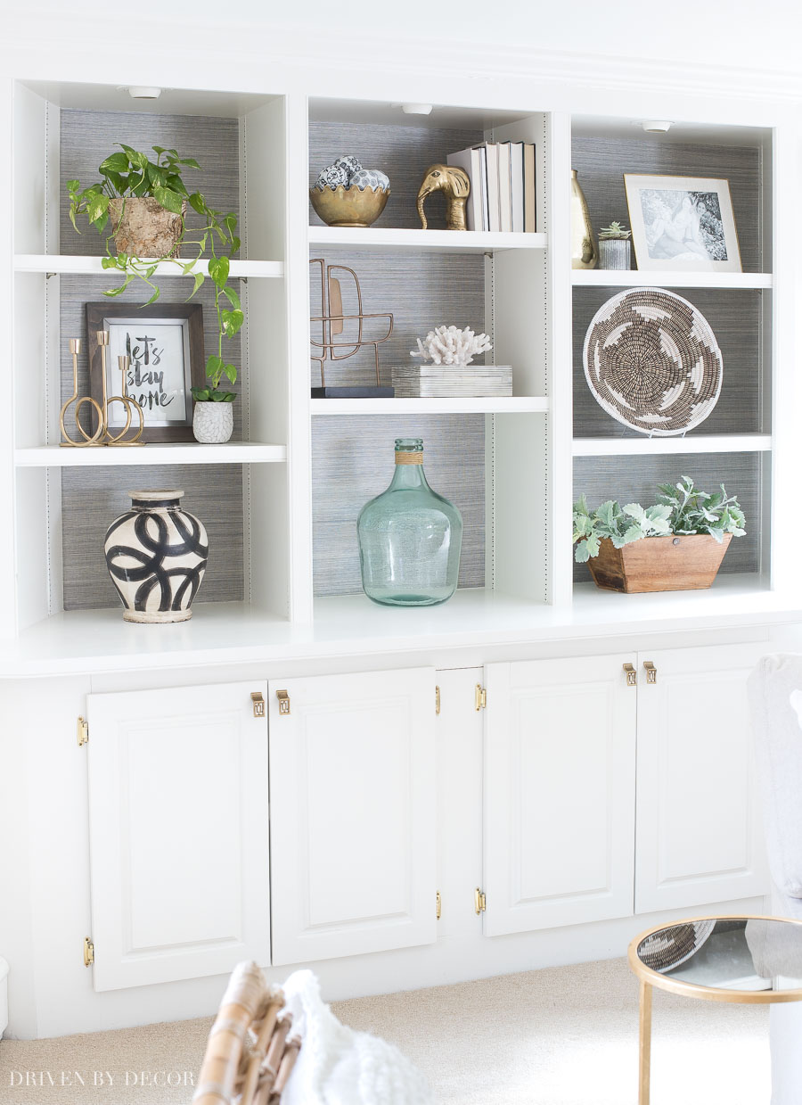 Decorating Shelves love the styling of the shelves in this large built-in bookcase - click BFJIXQA