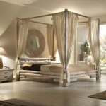 Four Poster Bed Ideas: That's how your dream will come true!