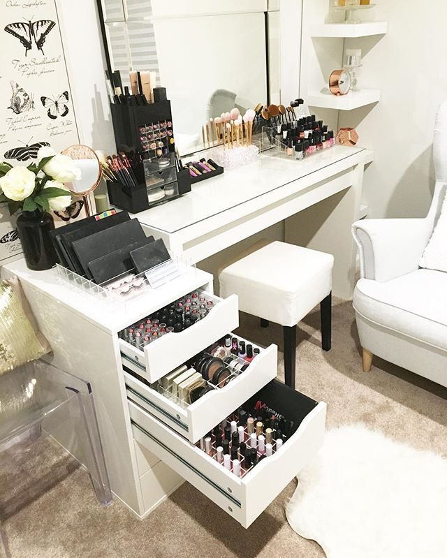 Makeup tables are practical & beautiful