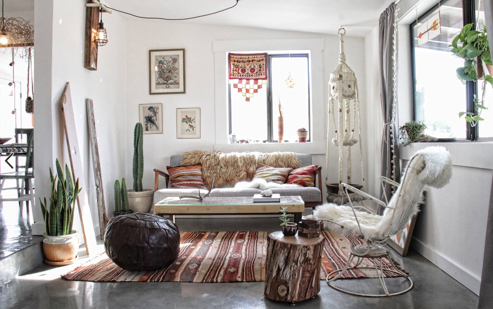shabby chic furniture interior design mix and match accessories. FDYXQGR