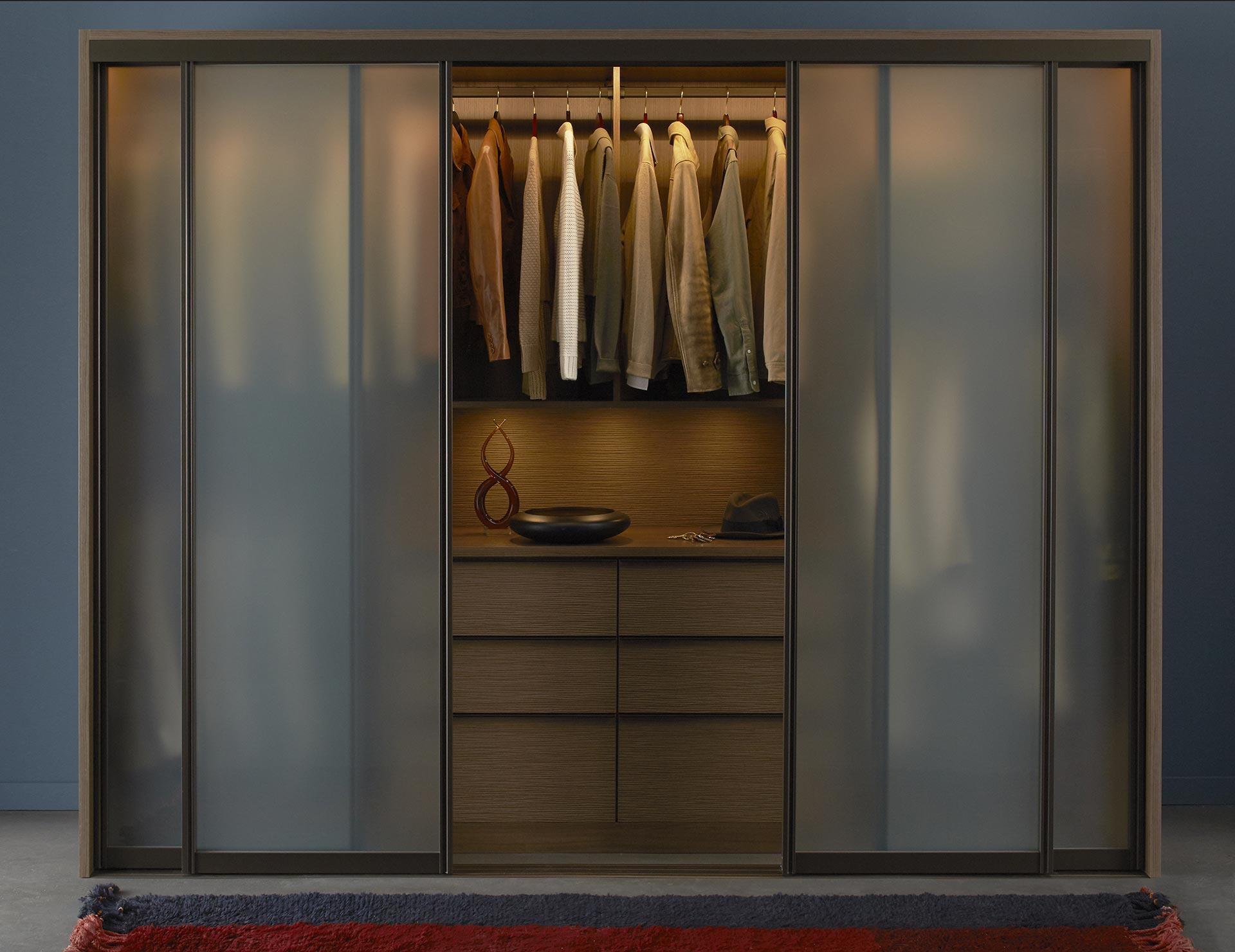 Wardrobe: Furnishing ideas with the furniture