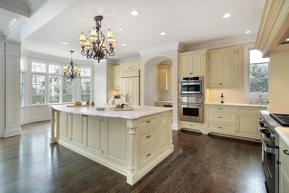 dream kitchens with white kitchen islands shutterstock_32038789 BAAIGAN