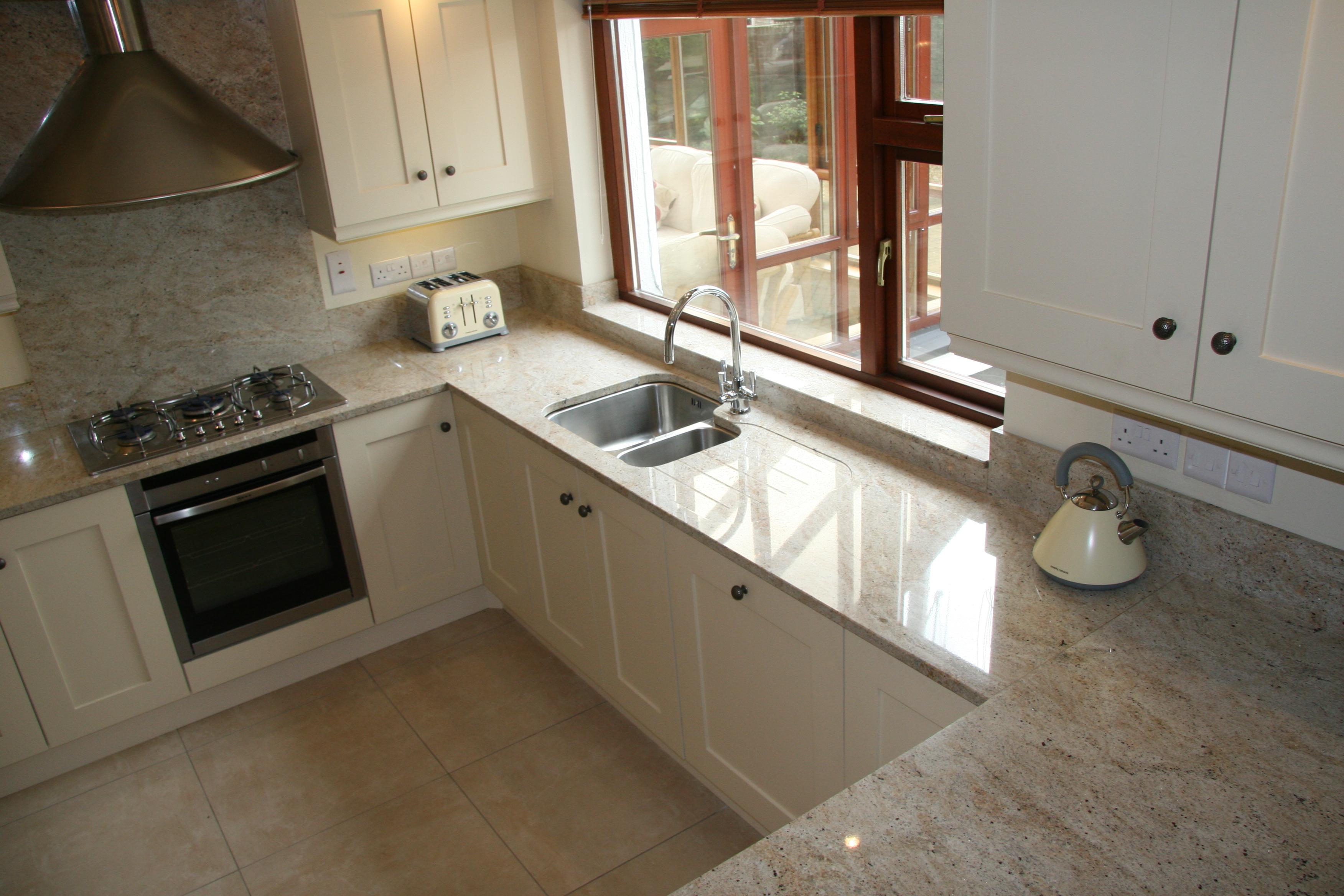 Granite kitchen worktop 2012-10-01 12.34.08 DJHZXSC