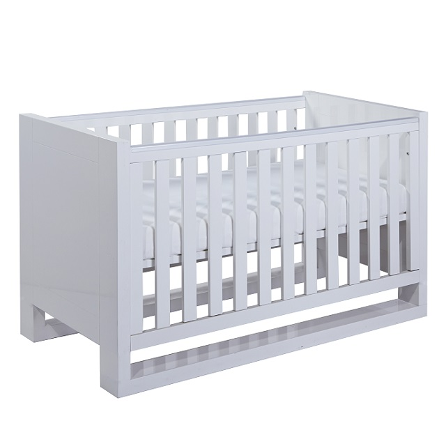 Multifunctional sleeping places for more space in the children's room: High cots