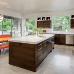 Kitchen Floors: Pros and Cons of Tiles, Laminate or Linoleum – What's Better?