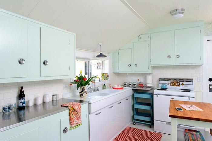 Mint Green kitchen mint green kitchens JMYKZRN