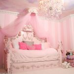 Fallen girl dreams in the nursery: Princess Cots