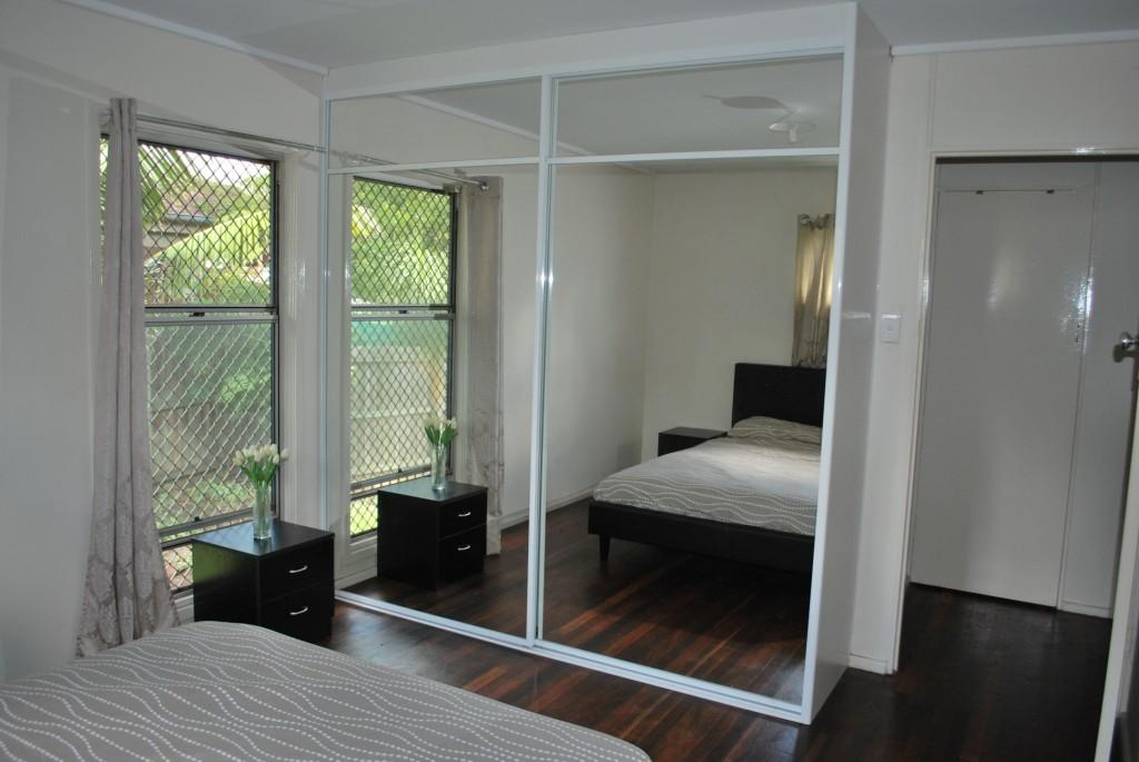 Sliding door wardrobes with mirror sliding doors QCNVLZE
