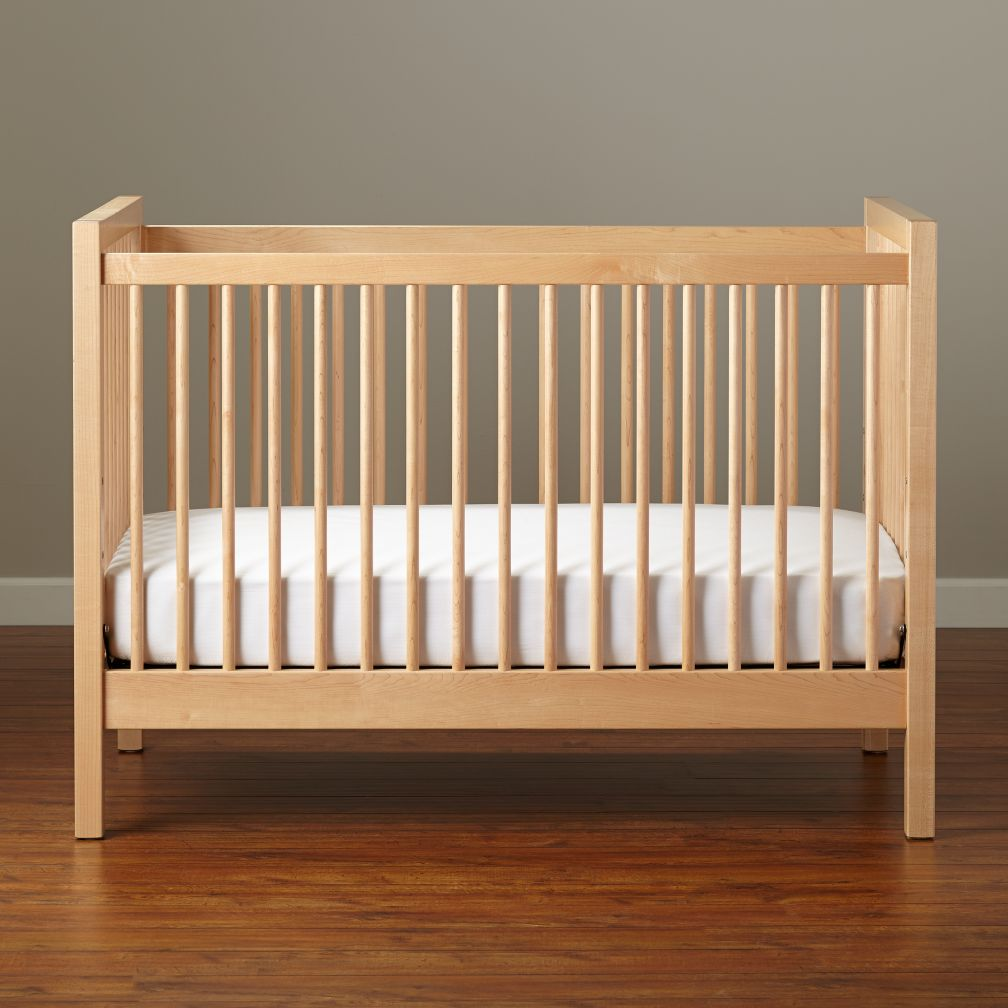 Near-natural environment in the nursery: Cribs made of solid wood