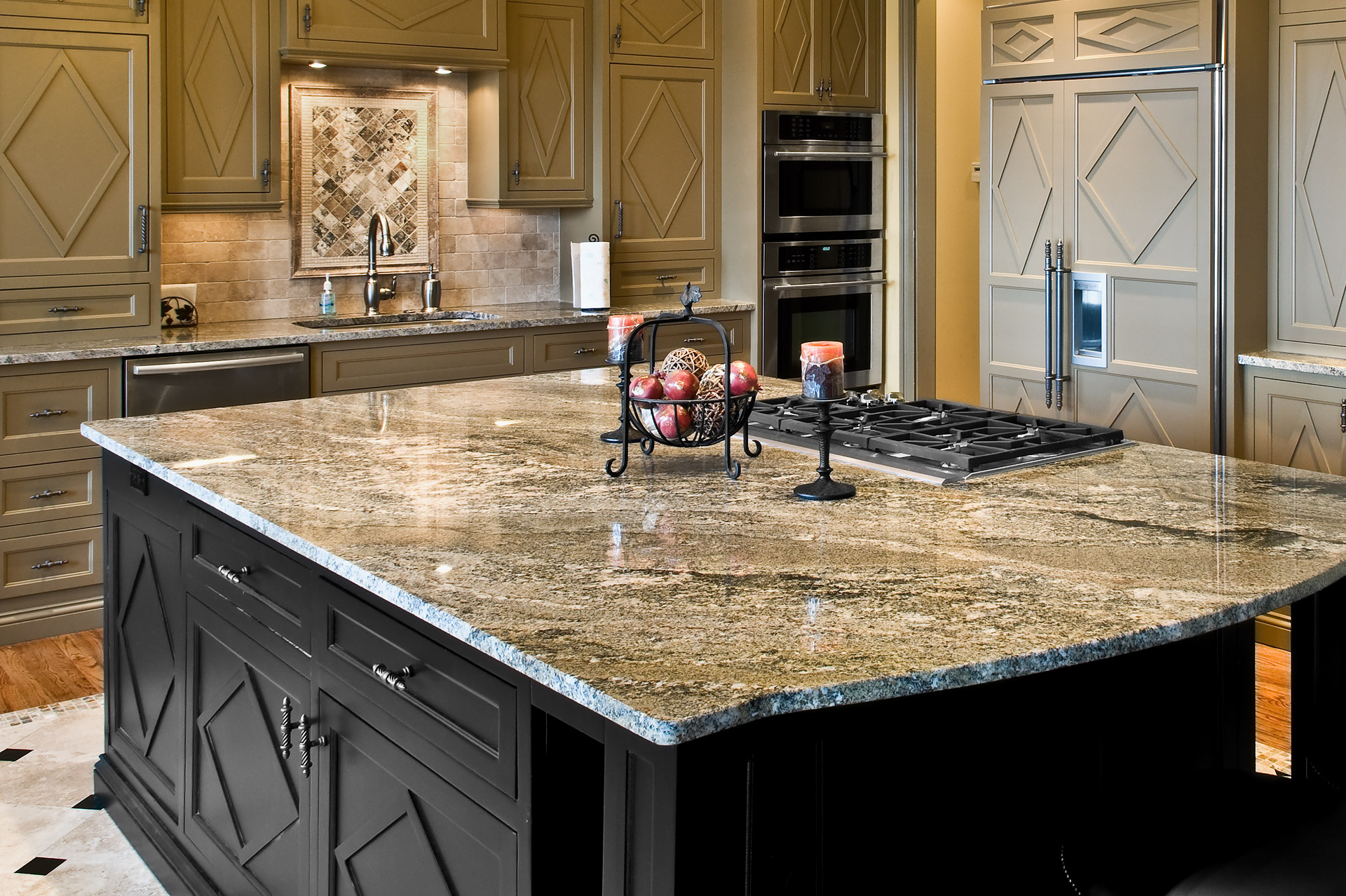 Stone countertop: pictures for kitchens with natural stone worktops
