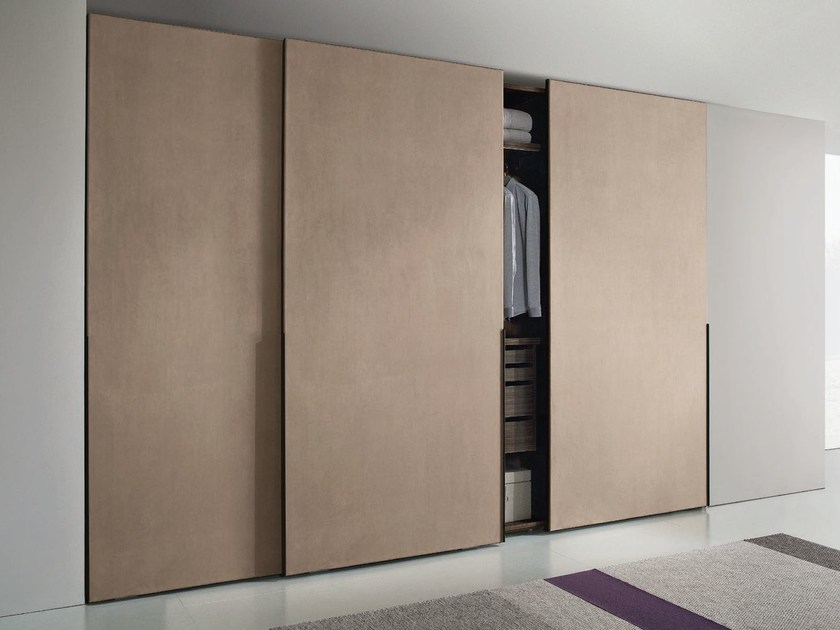 Space-saving storage furniture with flexible interior division: Wardrobes with sliding doors