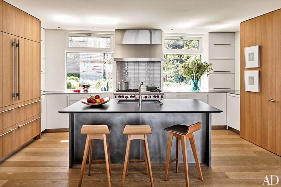 Wood kitchen 18 classic wood kitchens photos | architectural digest LZZZNDM