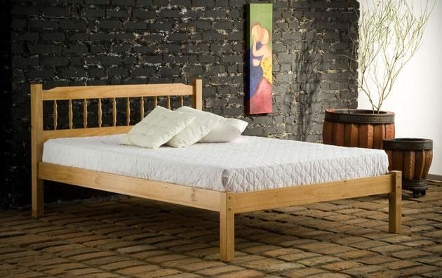 3ft Santiago Spindle Pine Bed Frame - £149.95 - The Santiago is a