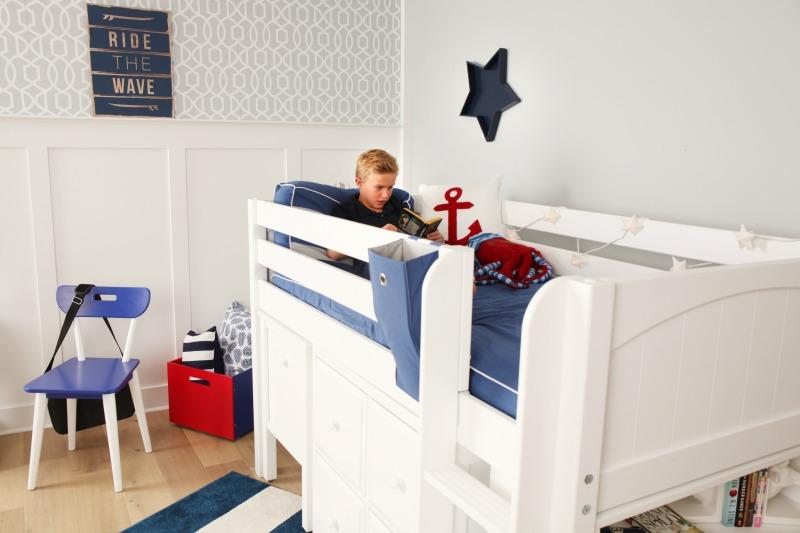 storage space underneath your Loft bed. Box-Sleeping
