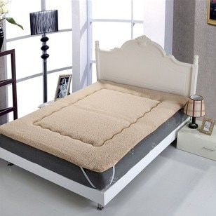 100% Super comfortable warm mattress,soft lamb mattress180*200cm