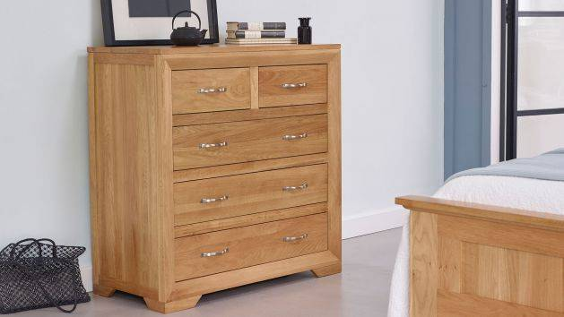 Oak Chest of Drawers | Small & Large Drawers | Oak Furniture Land