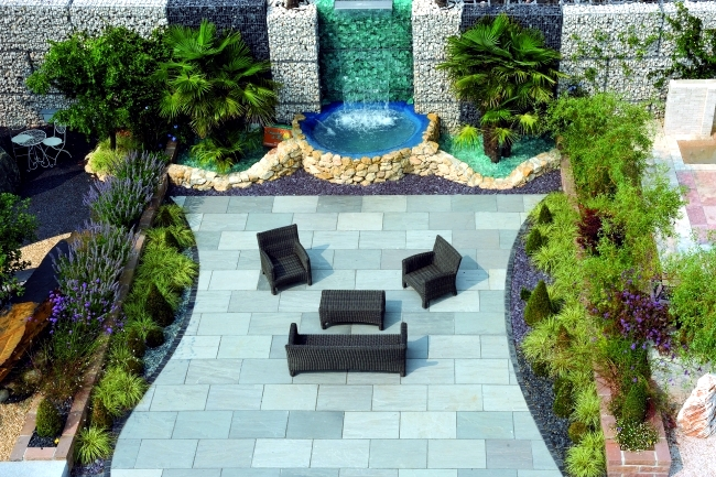 Beautiful garden design requires careful planning and research online. You  want a well-ordered with strong lines and a clear structure garden,
