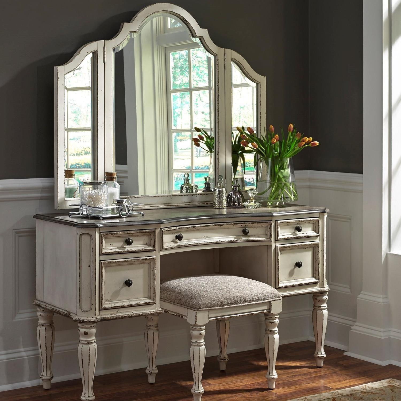 Liberty Furniture Magnolia ManorBedroom Vanity Set