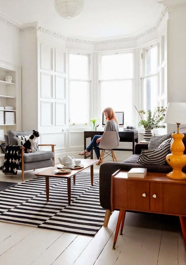Black & White Stripes in the Living Room