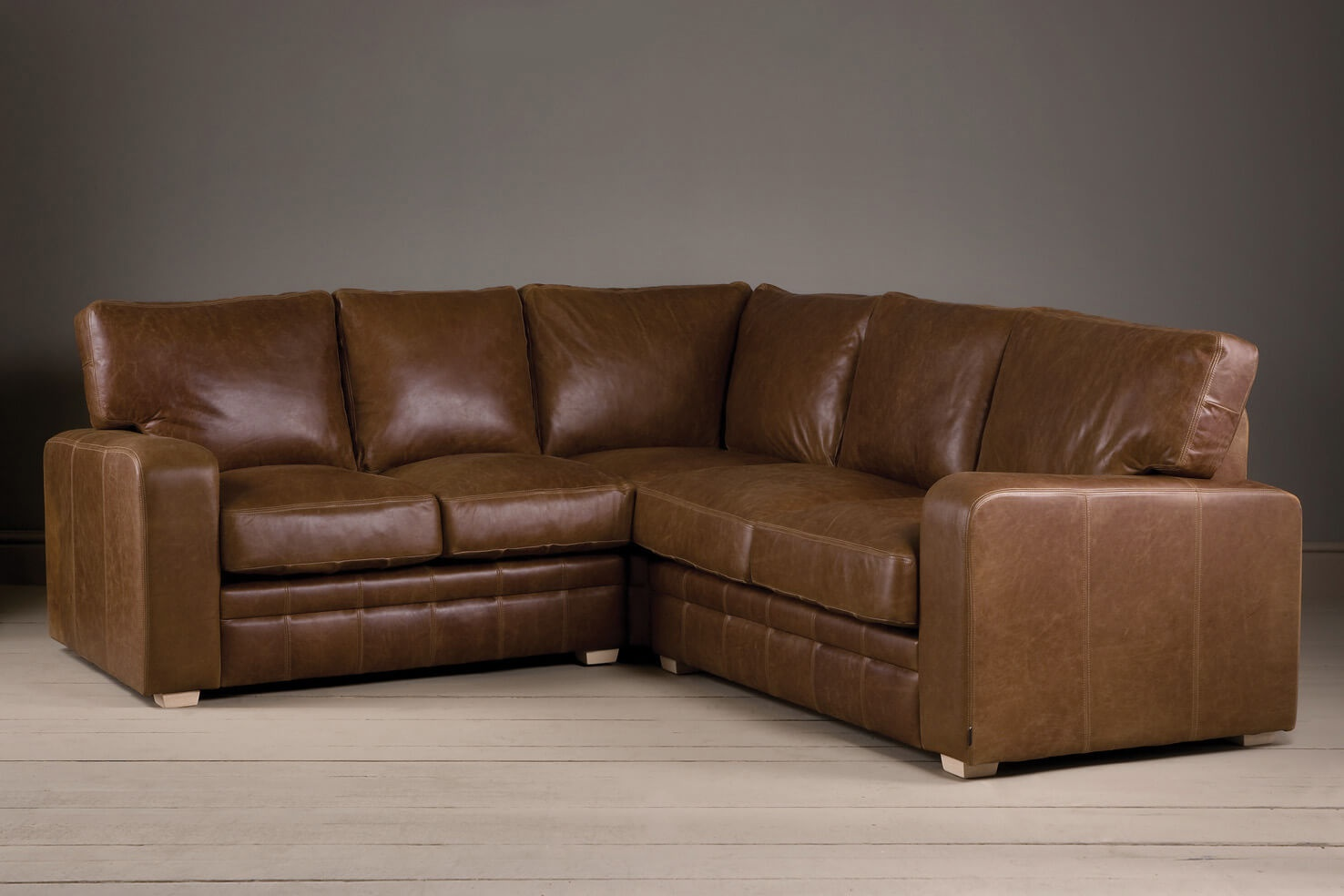 Leather corner sofa-a style statement in your home