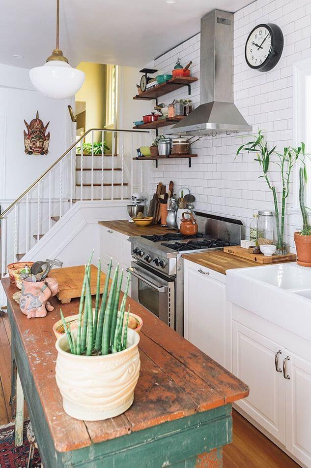 Distressed Island Cottage Kitchen Idea