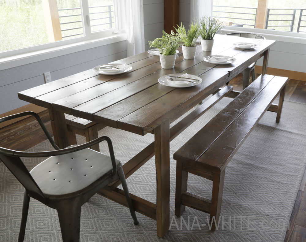 The easiest rustic dining table that you can build! Perfect beginner farm  table plans by Traveller Location