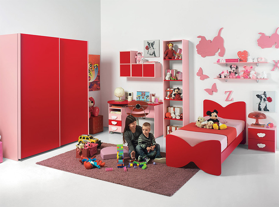 Red Furniture Design in Kids Bedroom