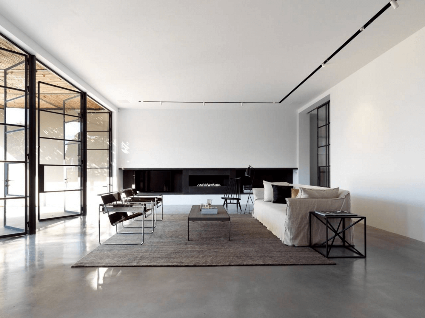 Minimalism in Interior Design: 25 Examples Proving Less Really Is More