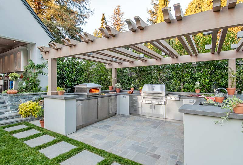 Expert Outdoor Kitchen Design Services and Support