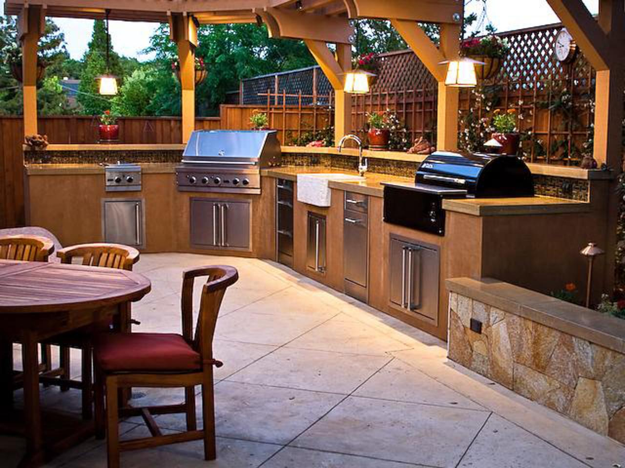 rms_outdoor_kitchen-Trish-Danby_s4x3