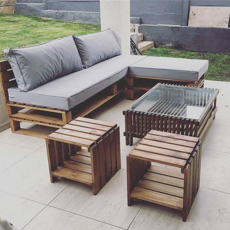 15 Pieces of Pallet Patio Furniture To Spark Your Outside Spring Decorating
