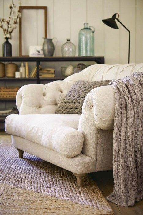 How to pick a personal oversized chair. Traveller Location