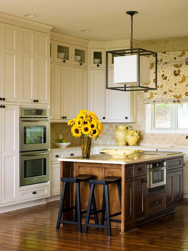 Kitchen Cabinets: Should You Replace or Reface?