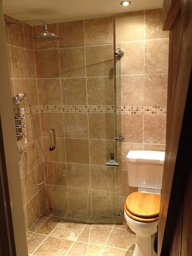Smallest size for a wetroom? - Traveller Location Forums
