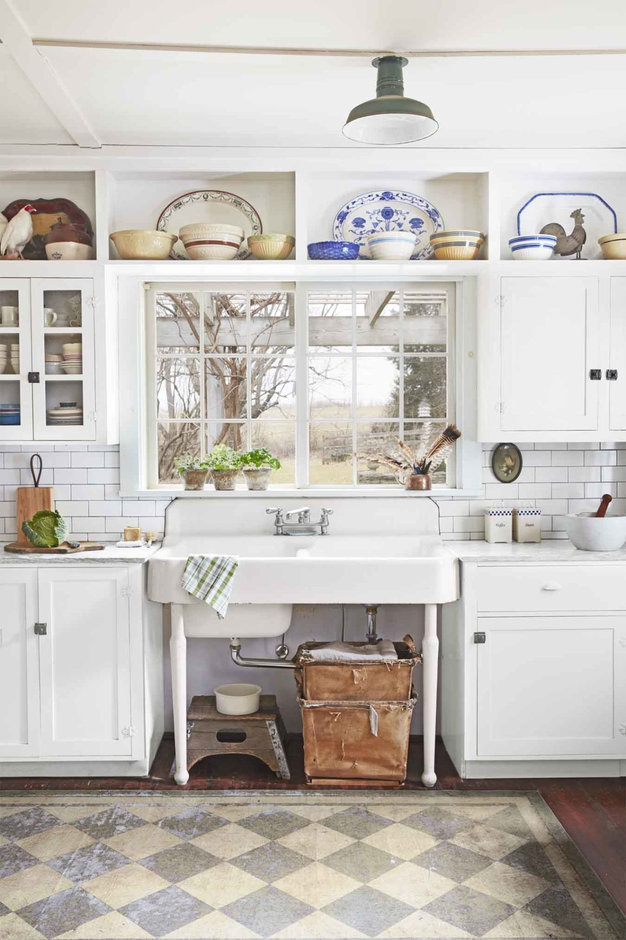 Farmhouse or Apron-Front Sink Rustic Kitchen Cabinets, Kitchen Rustic,  Vintage Sink,