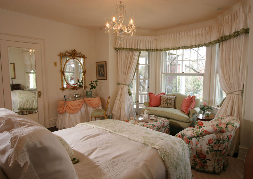 Classically designed bedrooms by J-Stephens-Interiors Vintage bedroom ideas that shouldn't be overlooked