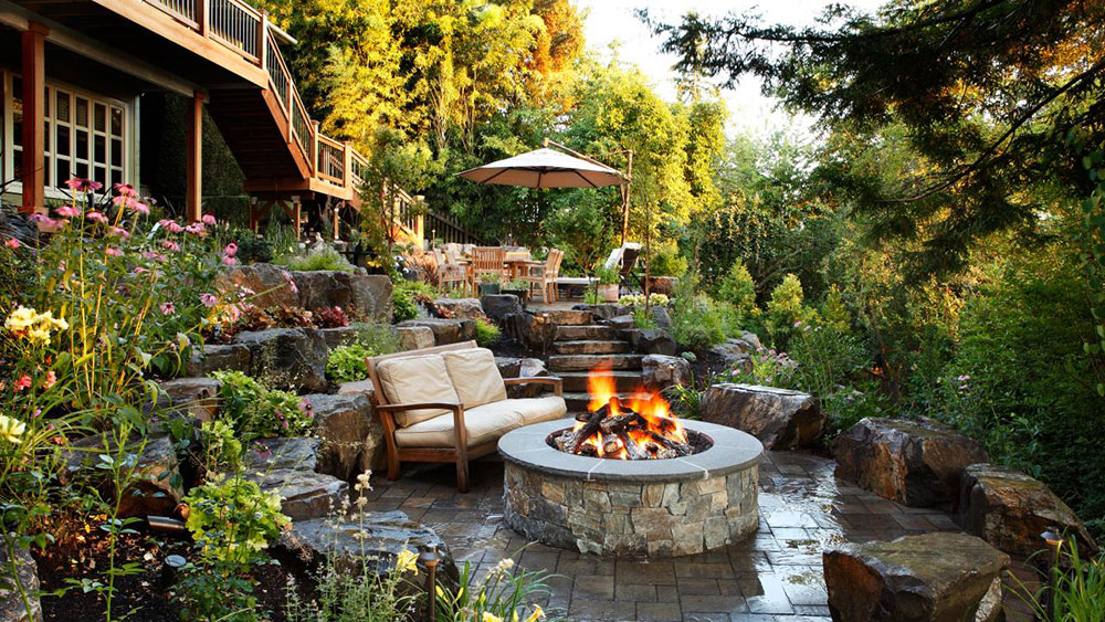 The-Backyard-Landscaping-Ideas-with-Fire-Pit 4 features that will make you spend more time in your garden