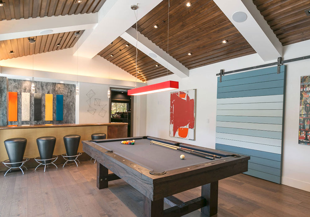 fam Can a pool table benefit the interior of your home?