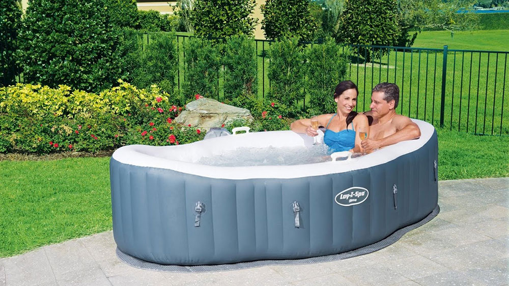 maxresdefault-1-1 5 Most popular inflatable hot tubs of 2018