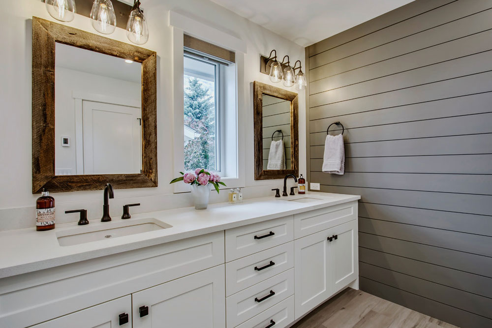 Lake-Bonavista-Knight-Custom-Homes-by-Zoon-Immobilien-Media Farmhouse bathrooms: decor, ideas, lighting and style